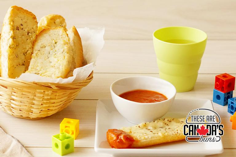 Wonder® Hotdog Bun Garlic Breadsticks